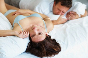 Резь во время секса в начеле влагалища